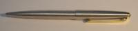 Oceľové guličkové pero Parker 45